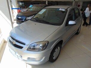 Super Oferta: Chevrolet Celta 1.0 LT (Flex) 2014/2015 4P Prata Flex
