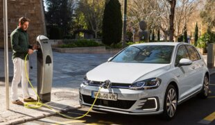 Volkswagen confirma Golf GTE e Golf elétrico para 2018