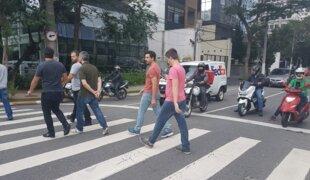 Projeto quer iluminação obrigatória em faixas de pedestre