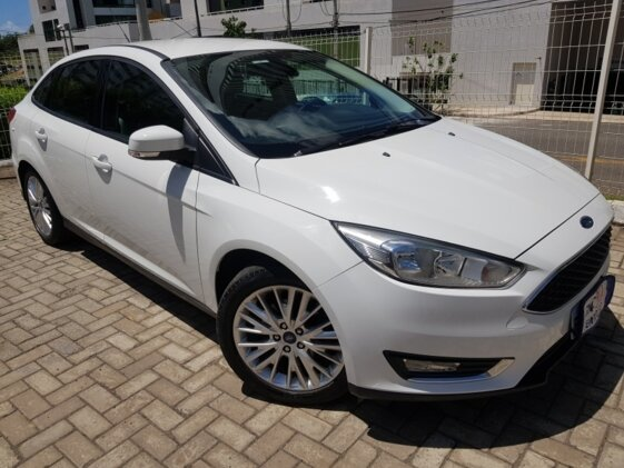 FORD FOCUS HATCH SE PLUS 2.0 POWERSHIFT