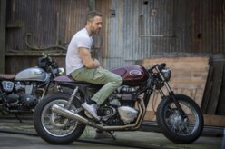 Ator de Deadpool, Ryan Reynolds tem Triumph customizada