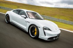 Eletricidade pura: o controle de largada do Porsche Taycan