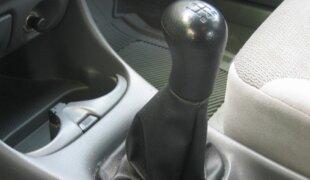 10 dicas para dirigir um carro com câmbio manual